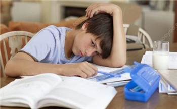 患上失眠在日常生活中怎样进行护理